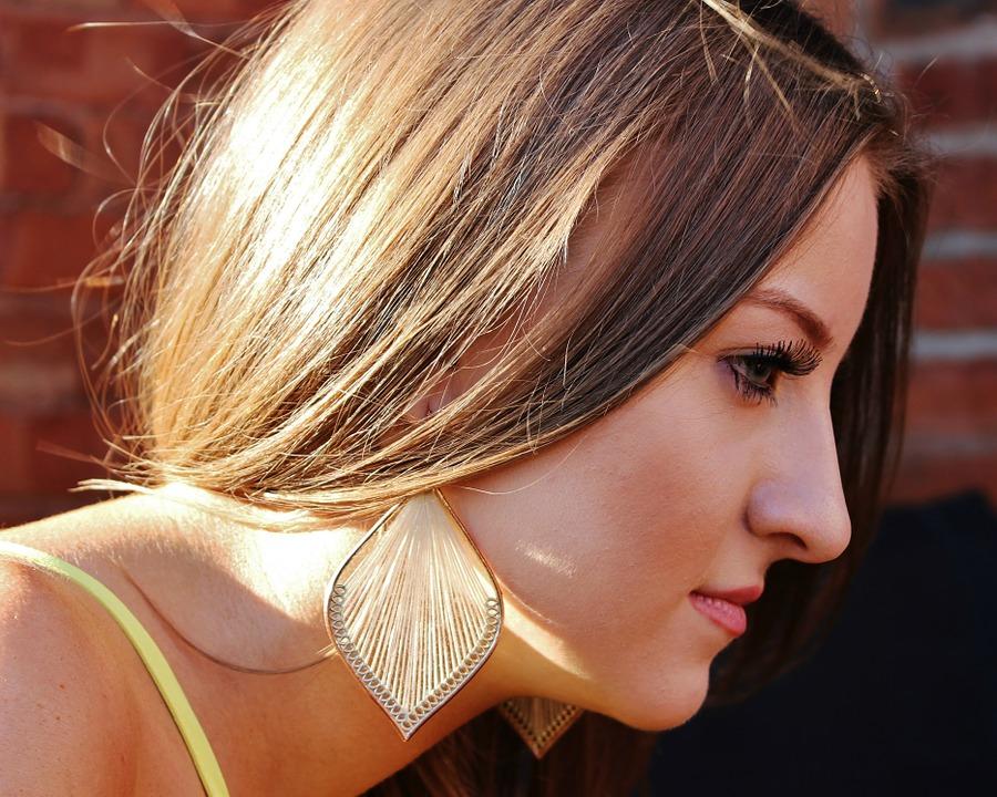 (P) Tratează căderea părului(alopecia) corect, la un medic dermatolog bun