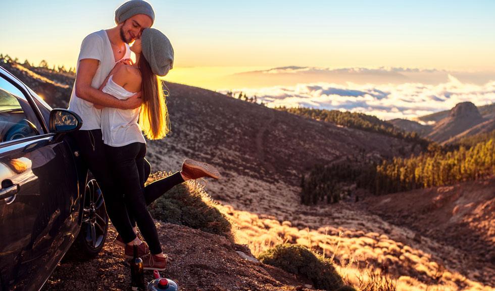 5 lucruri pe care un bărbat le face atunci când este îndrăgostit nebunește de tine
