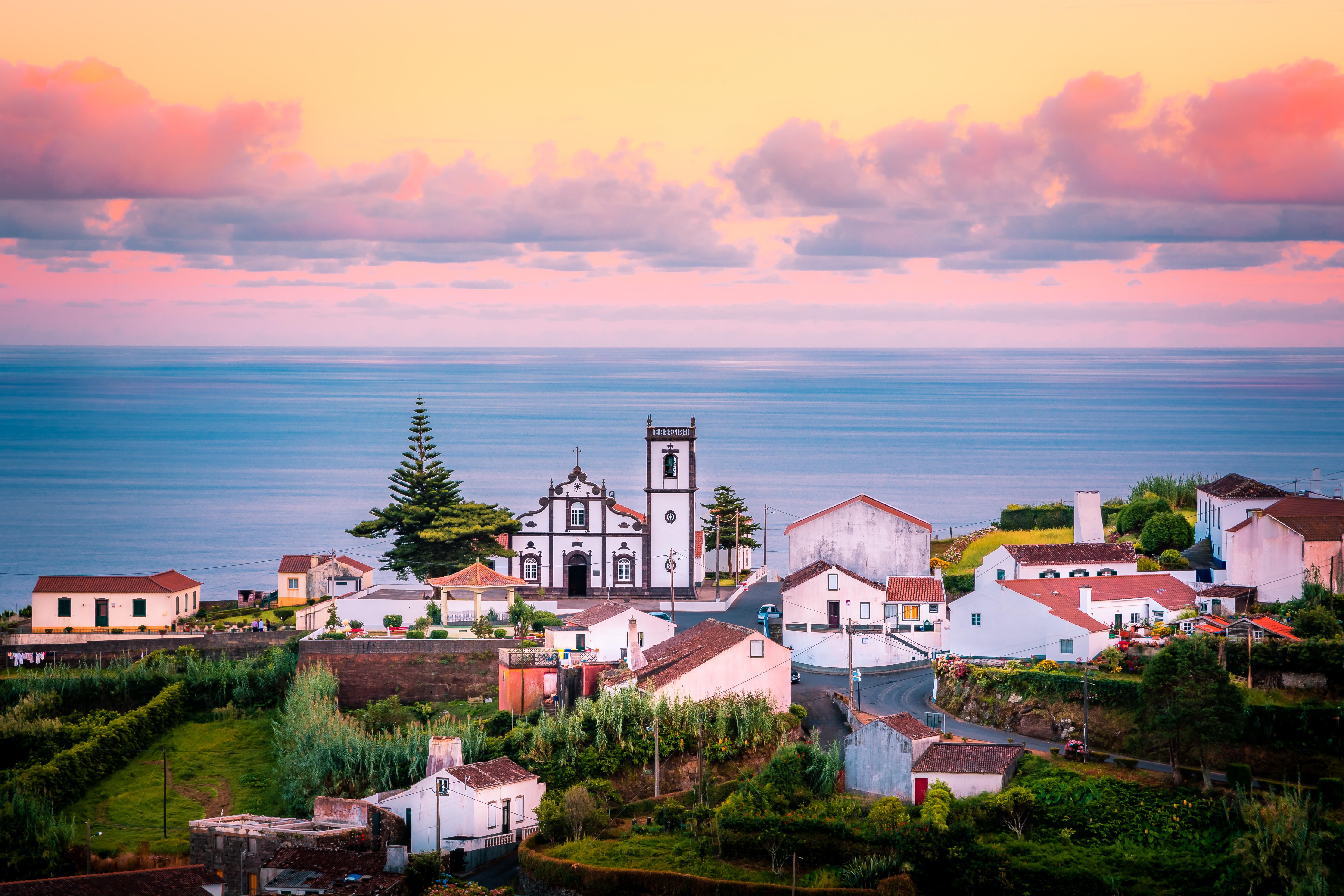 8 insule mai puțin cunoscute din Europa pe care trebuie să le vizitezi