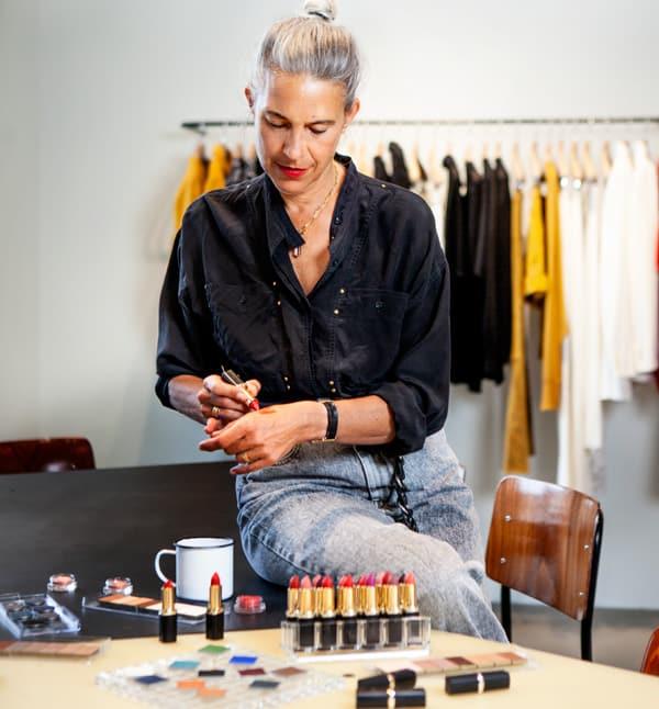 Prima colecție de machiaj L'Oréal Paris X Isabel Marant
