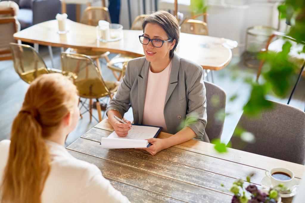 4 sfaturi esențiale pentru primul interviu de angajare
