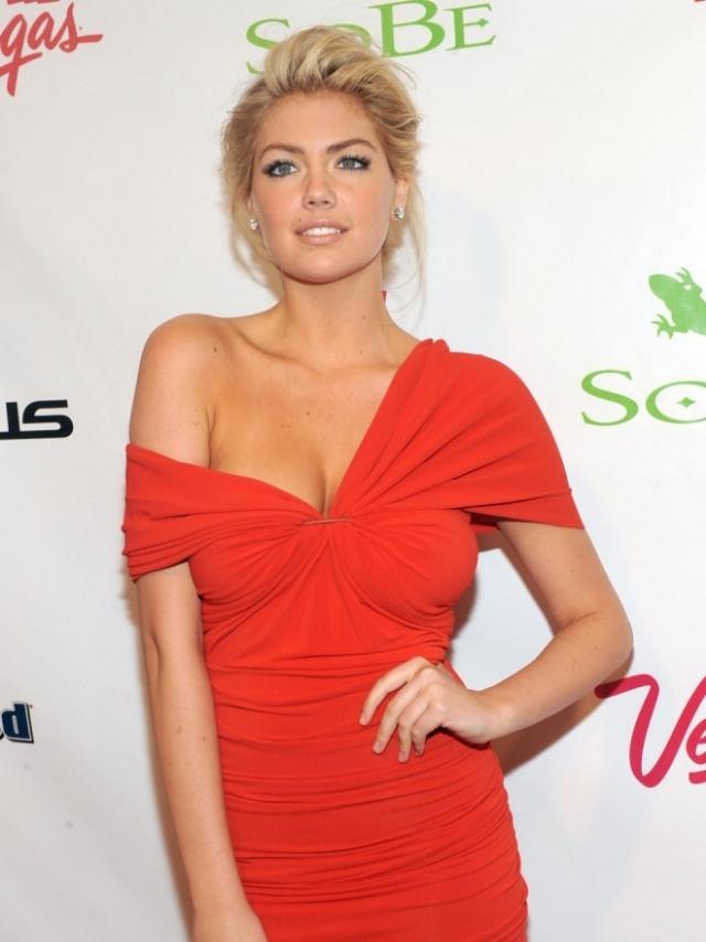 5 modele de rochii perfecte pentru femeile cu sanii mari