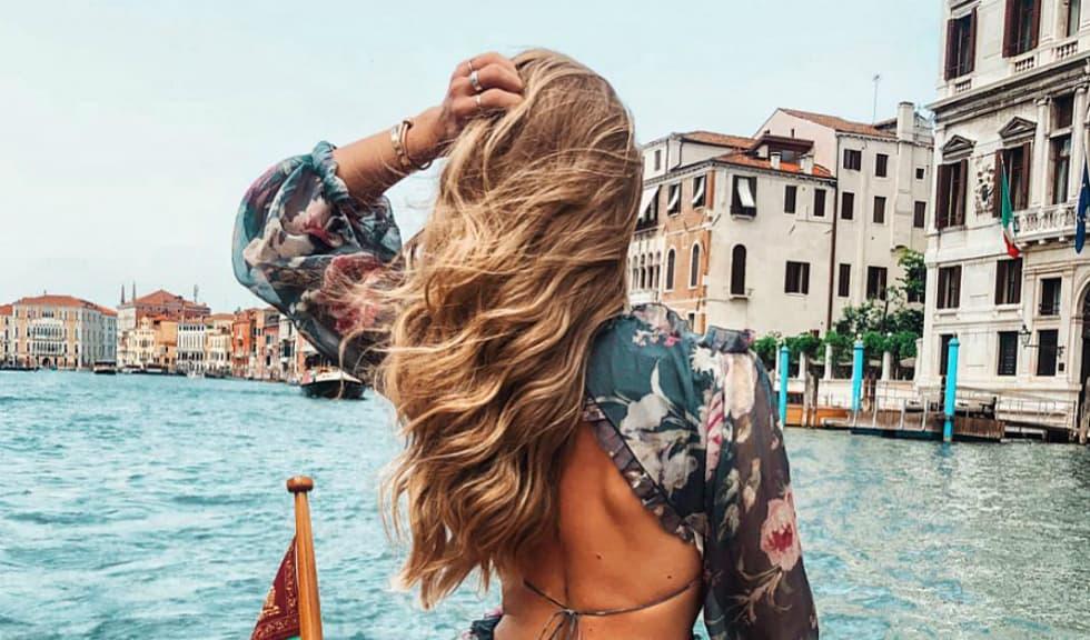 8 obiceiuri care îți îngrașă părul și la care trebuie să renunți