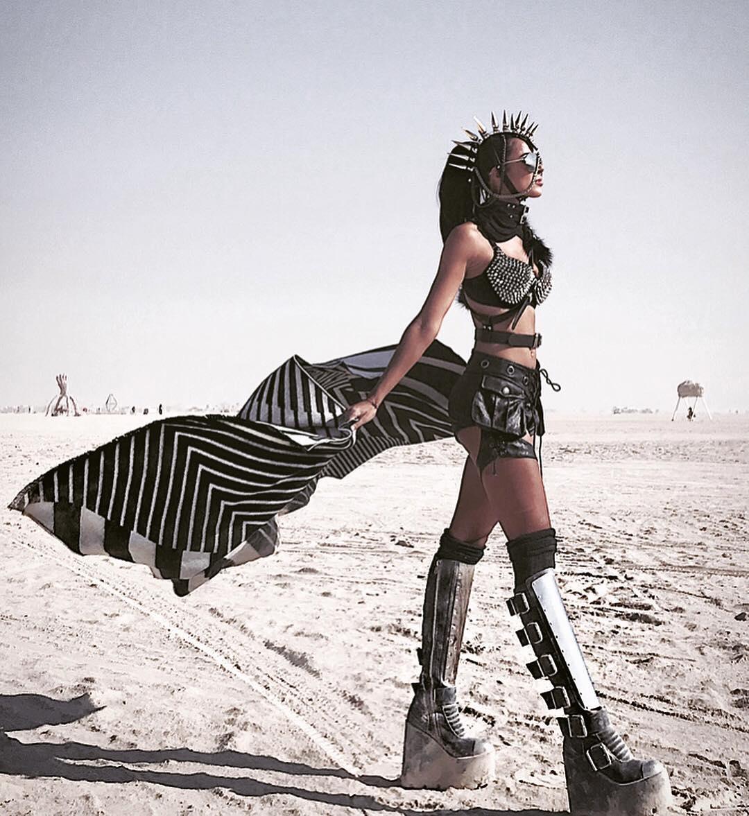 Burning Man 2018 – când moda și imaginația nu au limite și se reunesc în cel mai spectaculos festival din lume