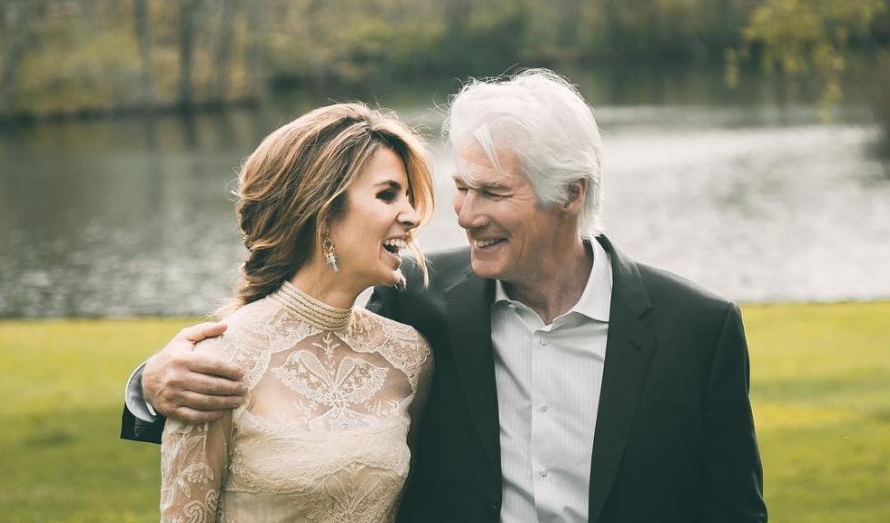 Richard Gere și soția sa primesc binecuvântarea lui Dalai Lama pentru sarcină