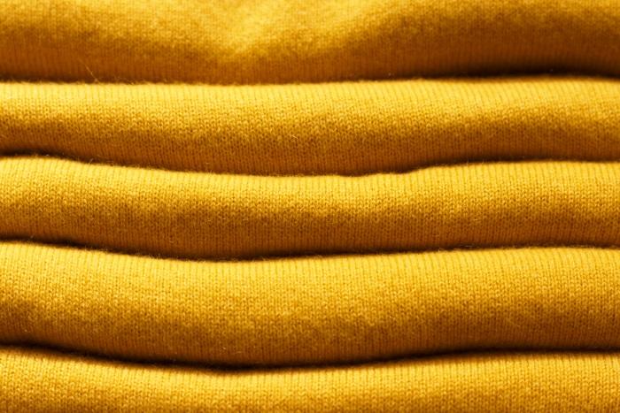 Ținute de toamnă 2018. Ce croieli și culori se poartă - Ceylon Yellow