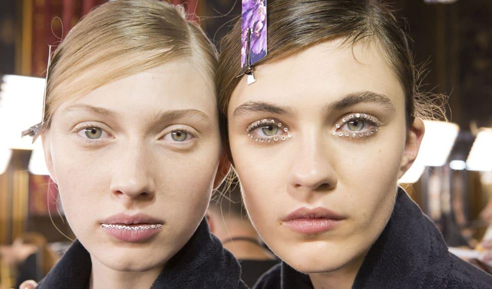 5 obiceiuri de frumusețe care dăunează tenului