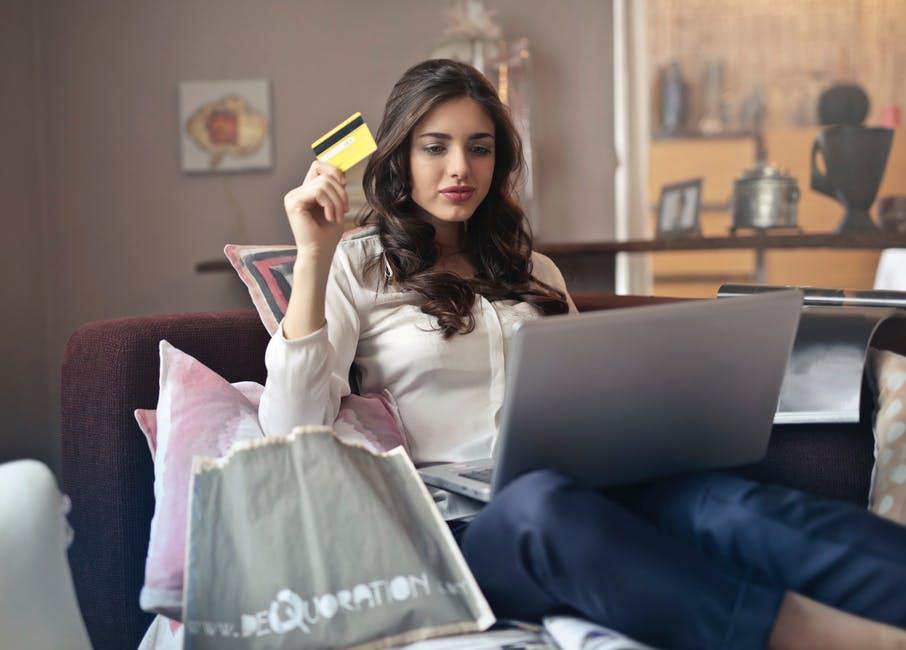 (P) Top 9 greșeli financiare pe care femeile ar trebui să le evite