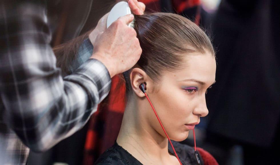10 lucruri pe care hairstylistul tău și-ar dori să le știi