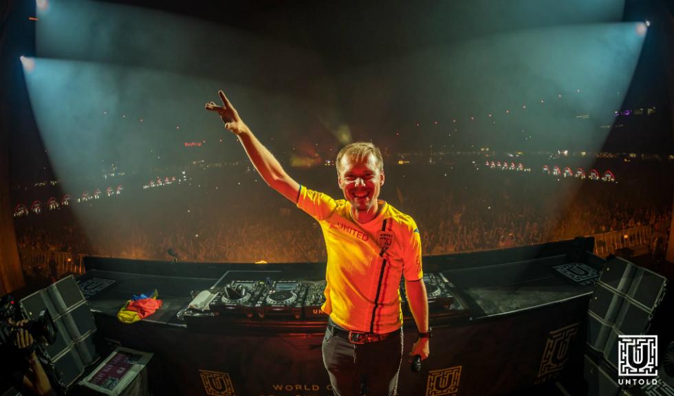 Armin van Buuren vine cu un intro nou în 2019!