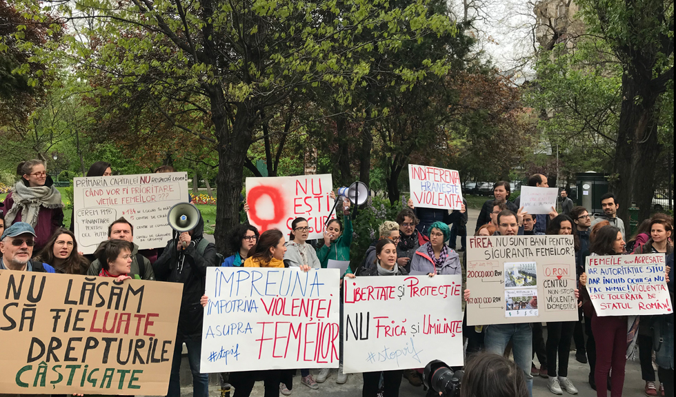 protest pentru victimele violentei domestice