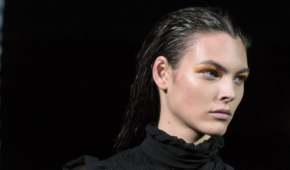 Învață cum să realizezi un machiaj de vară de la Cristian Bucă, National Makeup Artist Yves Saint Laurent