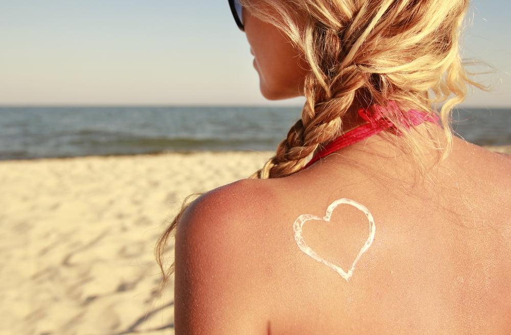 (P) Protejează-ți pielea cu o loțiune de plajă atent selectată!