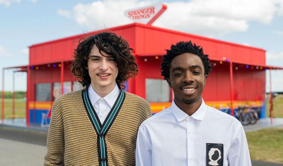 Actorii din Stranger Things vorbesc despre adolescența în fața camerelor de filmat