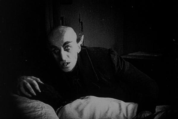 17 filme clasice de groază pe care trebuie să le vezi dacă vrei să ai un Halloween reușit