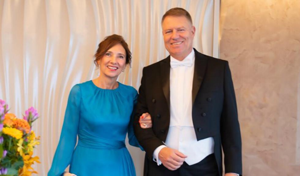 Andreea Tincu, designerul rochiei purtate de Carmen Iohannis la încoronarea Împăratului Japoniei, vorbește în exclusivitate despre colaborarea cu Prima Doamnă a României