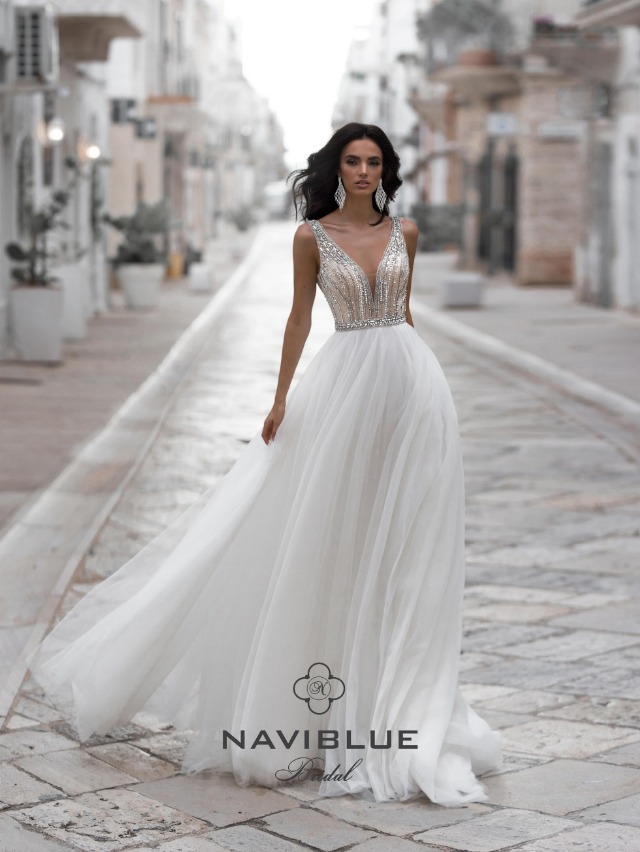 Inzdrazneste sa fii diferita cu rochii de mireasa Bella Sposa