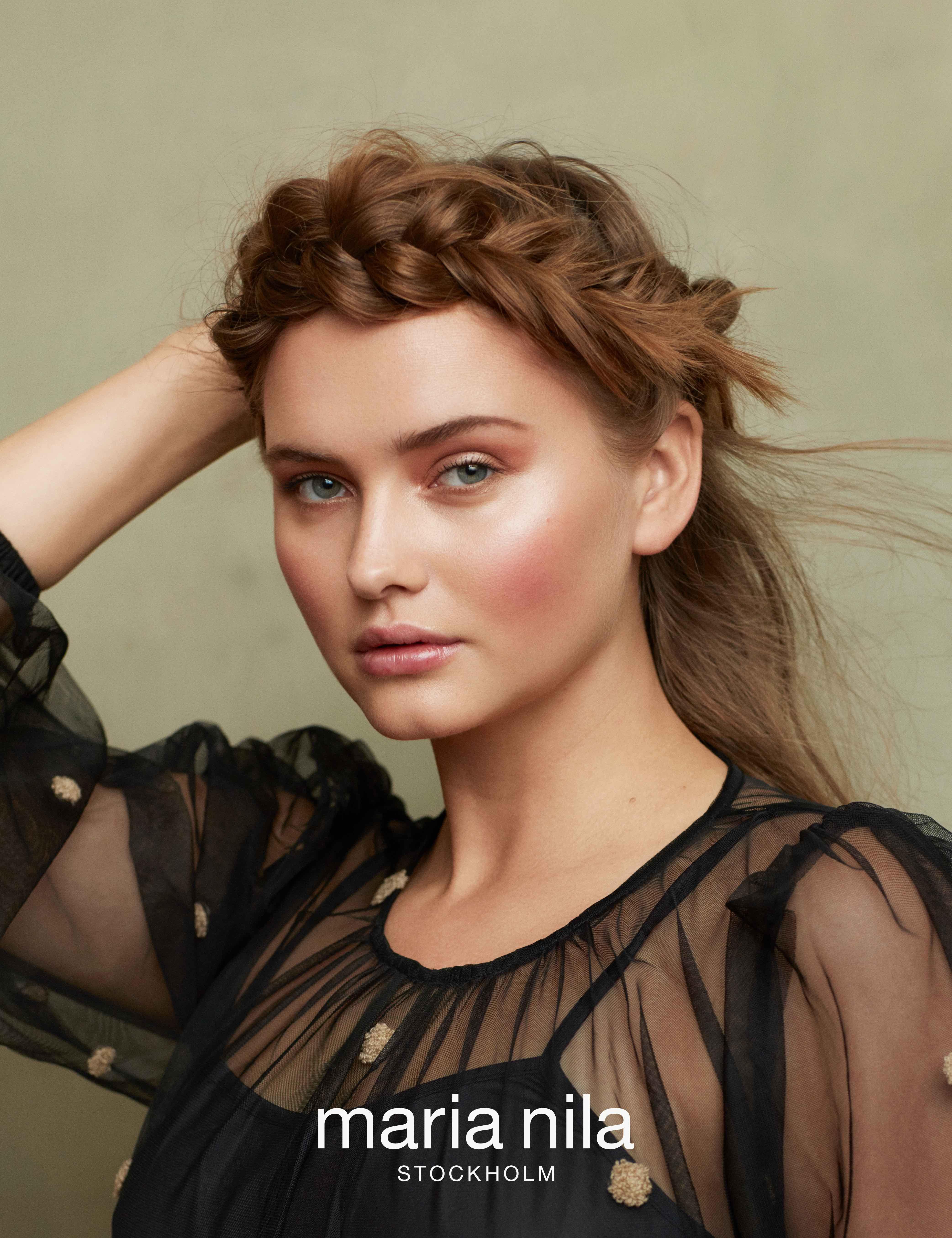 (P) 5 lecții de hair styling pentru a obține o coafură de salon la tine acasă